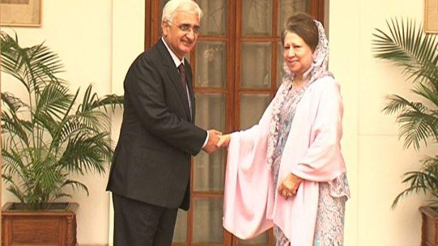Khaleda Zia meets new MEA Khurshid