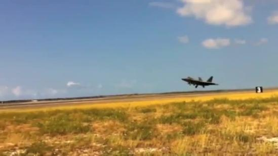 VIDEO: F-22 jets taking off