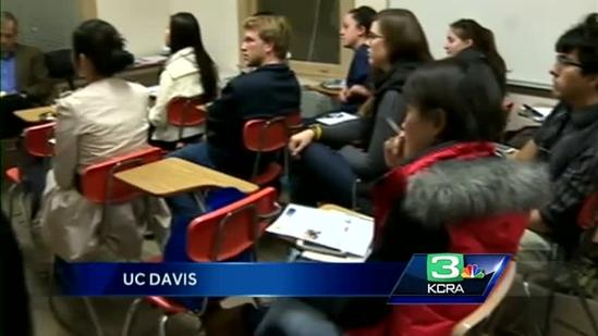 UC Davis students host State of the Union watch party