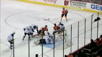 Hartnell muscles his way to net and scores