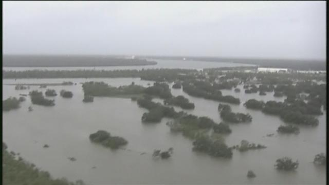 Isaac leaves trail of flooding, damage in Gulf Coast states