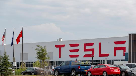 Walmart sues Tesla for negligence after repeated solar