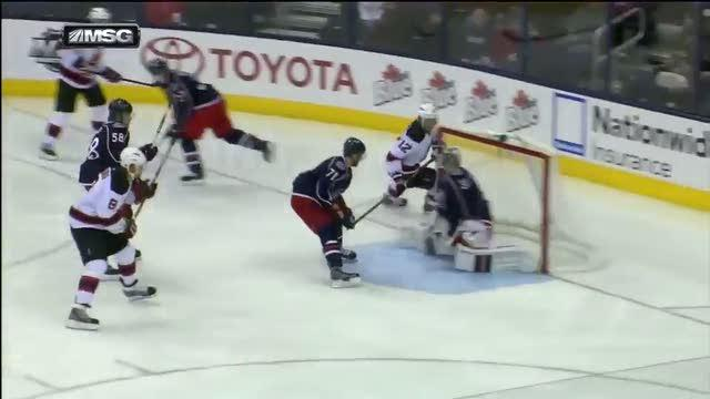 Elias sets up Brunner in front of the net