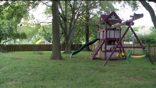 Judge rules against HOA on Missouri family's purple swing set