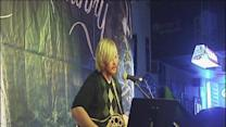 Singer-songwriter plays to sold out crowd