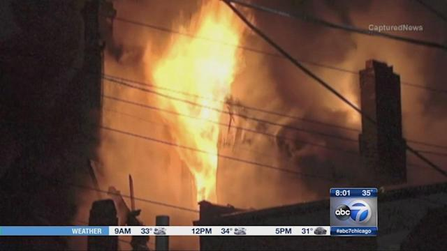 Little Village building fire injures 10, displaces 20 people in Chicago