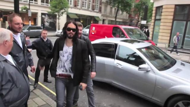 Russell Brand Dating Spice Girl Geri Halliwell?