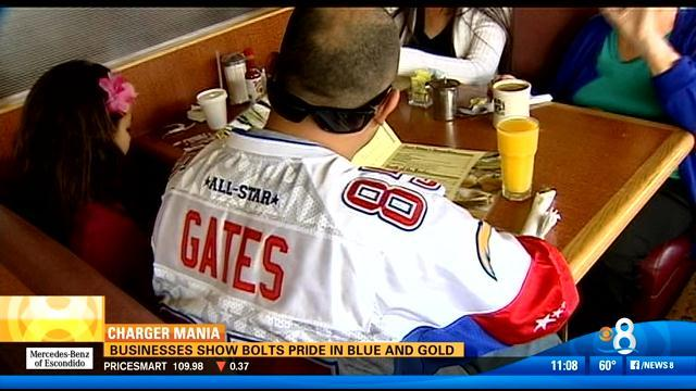 Businesses show Bolts pride in blue and gold