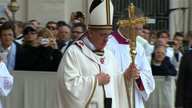 Pope Francis gives first Easter speech