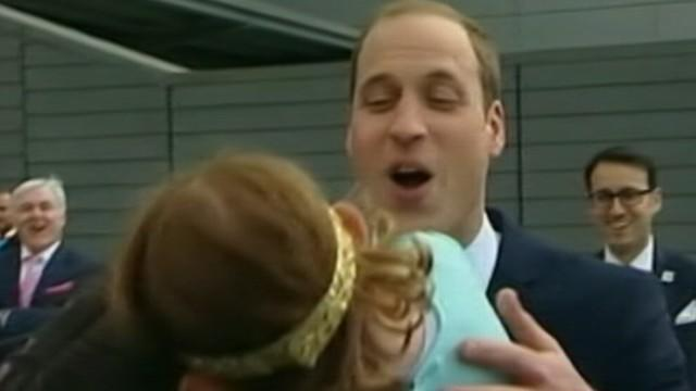 Little Girl Rejects Kiss from Prince William, Kate Starts Knitting