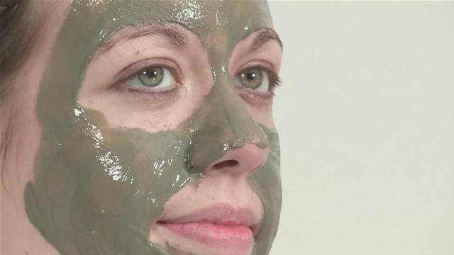 How remedy oily skin with a face mask