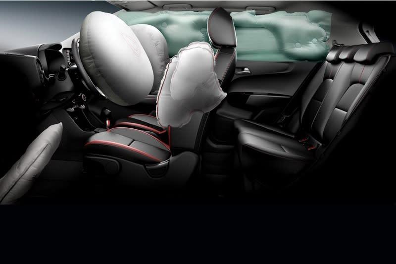 Picanto GT-Line於同級中唯一配備七具安全輔助氣囊,及同級唯一AEB自動緊急煞車輔助系統。