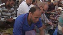 Raw: Split Among Egyptians Marks Ramadan
