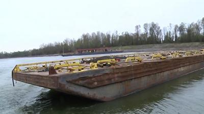 Engineer: Laying 'Concrete Beds' in Miss. River