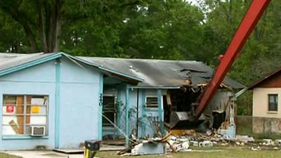 Raw: Demolition of Fla. Home Over Sinkhole