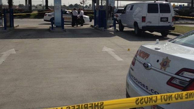 Masked suspects try to rob armored car