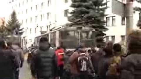 Woman Shot as Protesters Storm Security Building in Ukraine