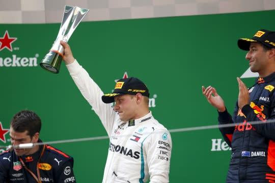 上海混戰,D.Ricciardo本季首勝,銀箭車隊積分反超躍馬