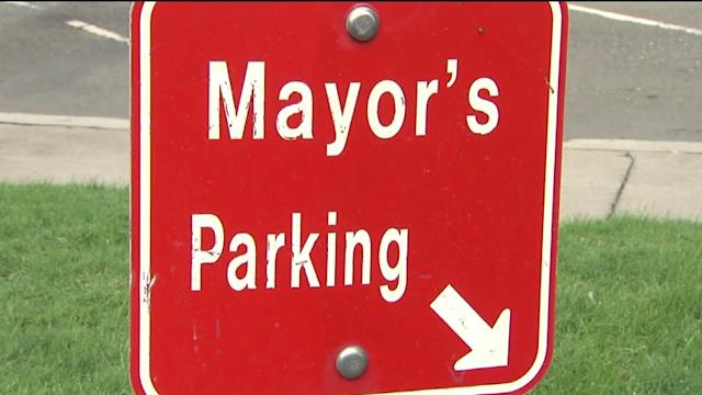 Mayor`s Car Towed From Own Spot