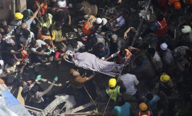 一聲巨響釀12死 數十人受困