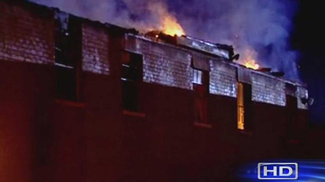 3-alarm fire breaks out at apt. complex
