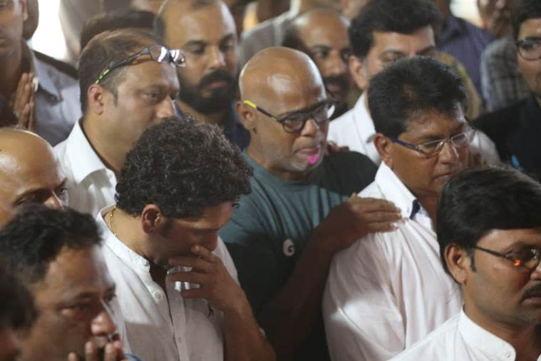 Sachin Tendulkar at coach Ramakant Achrekar's cremation. (Source: Express Photo by Amit Chakravarty)