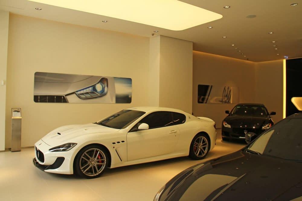 首先映入眼簾的是Maserati當家運動車款Granturismo Sport。
