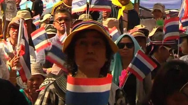 Thousands protest amnesty bill