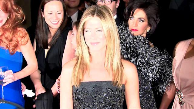 Jennifer Aniston Wants Sexy Bed Hair For Her Wedding Day But Envies Duchess Kate's Tresses