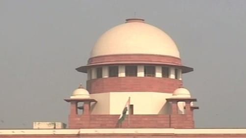 SC issues notice to govt on plea against Aadhar
