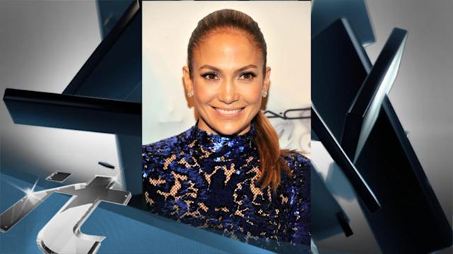 Social Issues Breaking News: Jennifer Lopez and Alan Cumming Feted for AIDS Charity Work