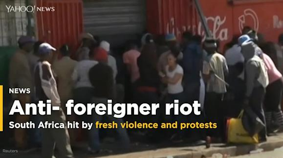 South Africa wakes up to fresh anti-foreigner violence