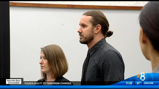 Singer seeks plea deal in murder-for-hire plot