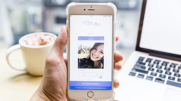 Titta 8 enkla regler för att dejta min tonårs dotter online gratis