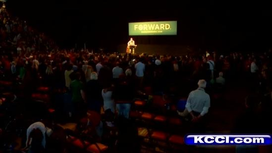 Bruce Springsteen campaigns in Iowa for Obama