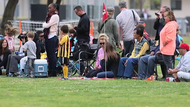 Britney Spears and Kevin Federline Chat at Sons' Soccer Game