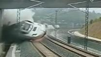 Security video shows moment of Spain train crash