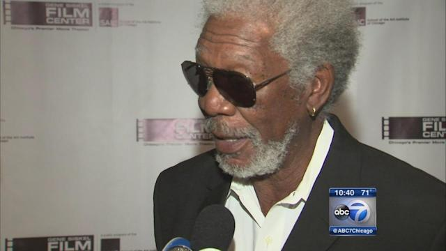 Morgan Freeman receives Renaissance Award in Chicago