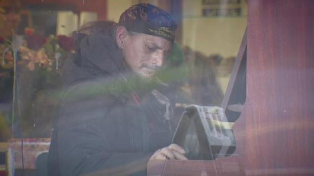 Homeless Man's Music Moves Listeners to Tears at a Thrift Store