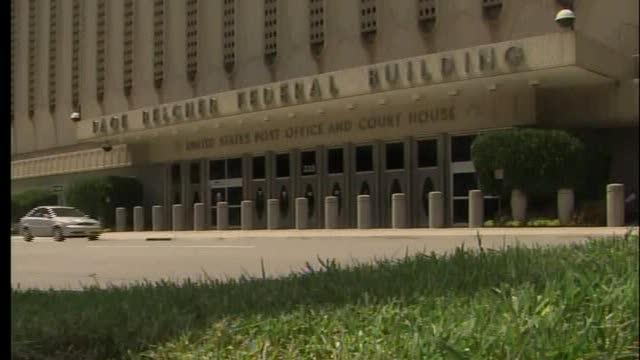 Tulsa police corruption trial begins