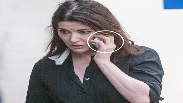 Nigella Lawson To DIVORCE Husband Charles Saatchi?