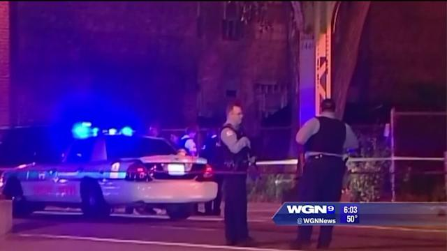 Ambulance drives into shoot-out on Chicago`s West Side