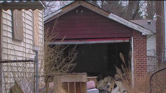 Detroit neighborhood wants infested house cleaned up