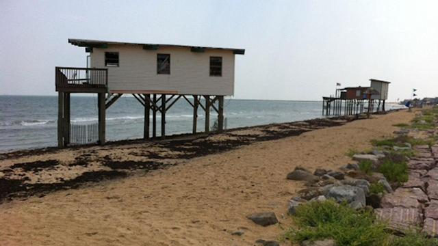 Dilapidated houses in Surfside worry residents