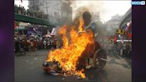 Filipino Protesters Burn Effigy Of Barack Obama