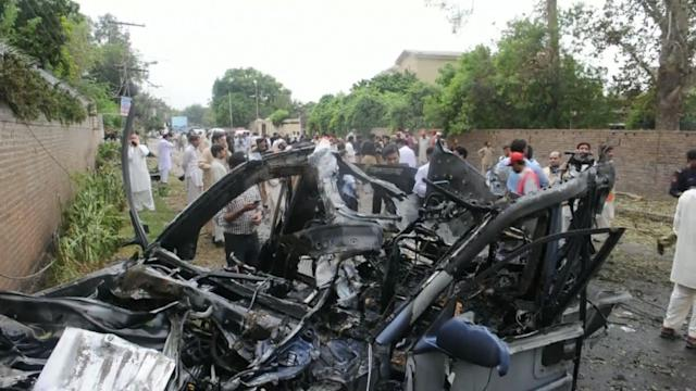 Suicide attack targets US officials