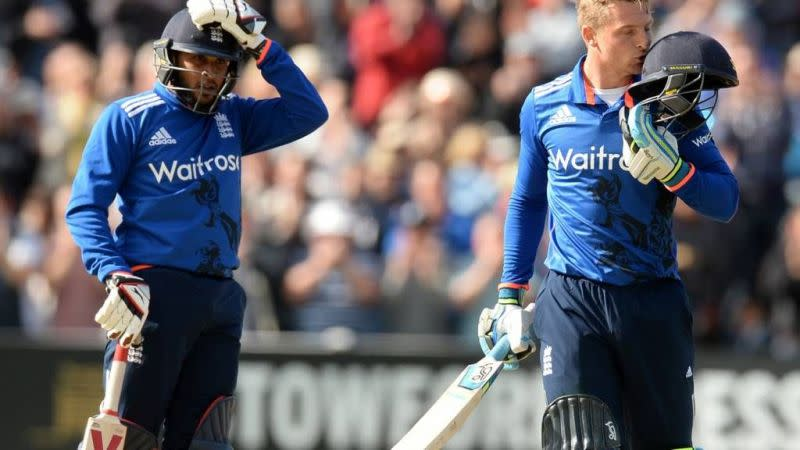 Jos Buttler(R) and Adil Rashid(L) on their way to their record-breaking partnership total