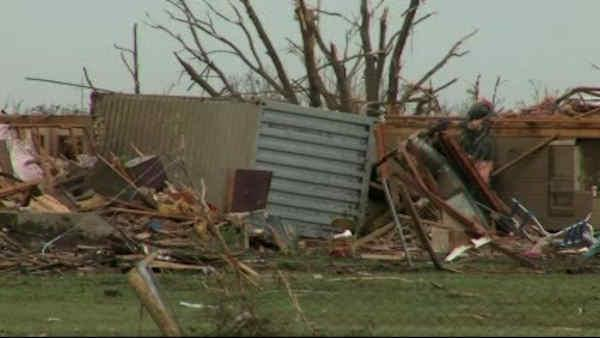 Oklahoma begins recovery after deadly tornado