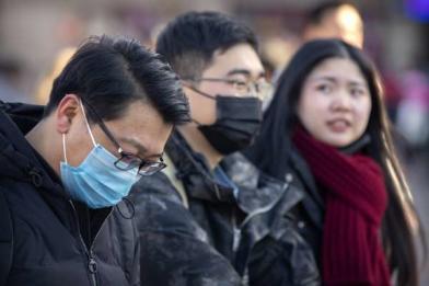 陸港客搶購台灣口罩 業者11條生產線全開