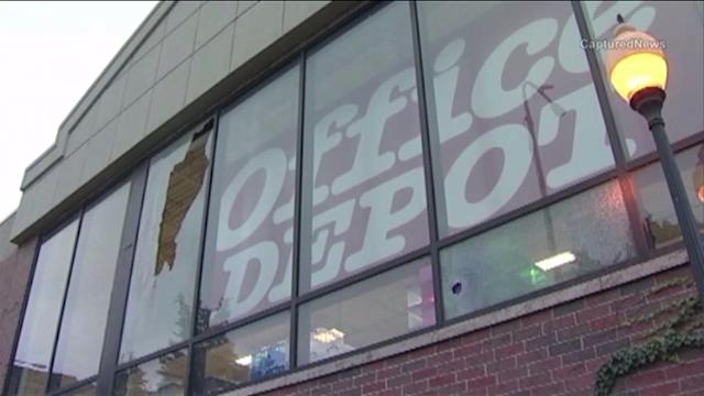 Shooting on Dan Ryan Expressway blows out Office Depot window
